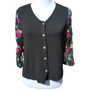 Kim & Cami| Blouse Black Embroidered Sleeves